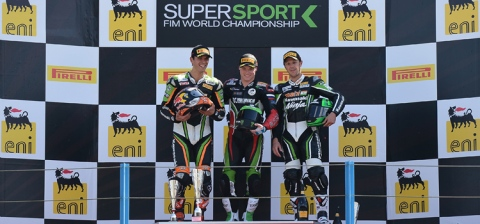 Lowes, Suflogu y Foret podio Supersport en Assen